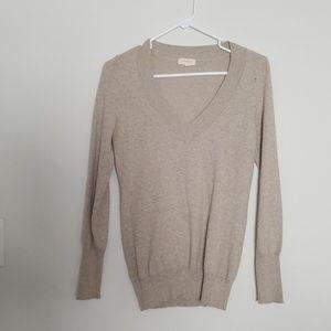 Heathered oatmeal v-neck sweater